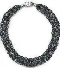 """Вот еще схемы нескольких украшений.  1.Ожерелье  """"косичка """" Из нитей бисера можно плести косички, которые прекрасно..."""